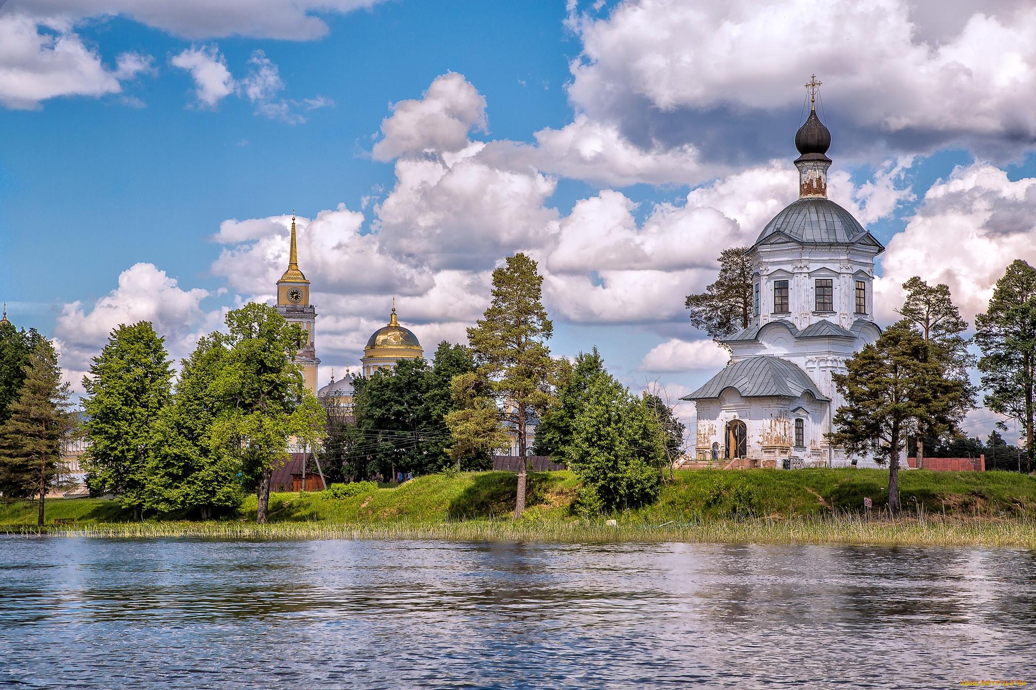 поступают картинки монастырь у воды каждого православного